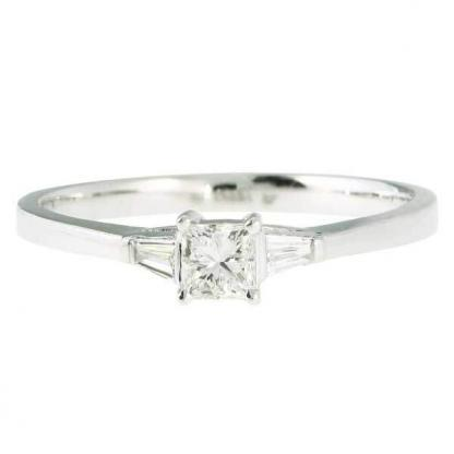 Mixed Cut Diamond 3 Stone